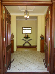 entrance wall and room before renovation