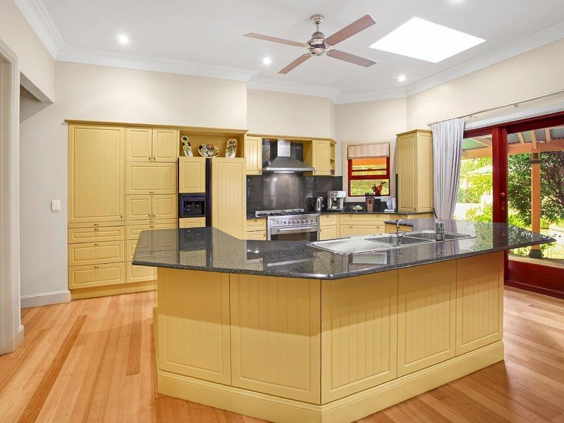 kitchen before full renovation services page