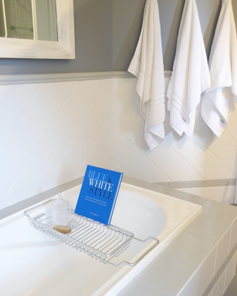 kids bathroom makeover completed bath caddy and towels detail